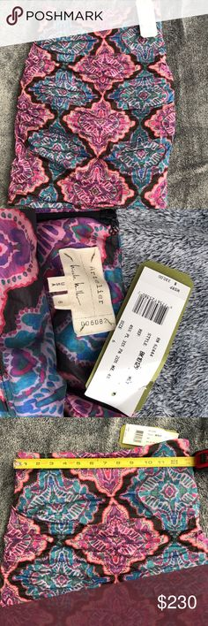Nicole Miller Artelier Skirt BNWT, this gorgeous Nicole Miller Artelier skirt is an absolute gem. It's a little loose on me which is why I'm sadly selling this. The design is impeccable and unique. Please contact me with any questions. One day sale nicole miller Skirts Pencil