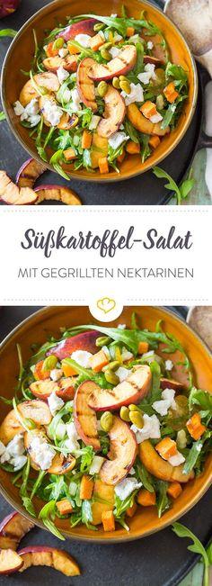 Laue Sommerabende, entspannte Grillpartys und dazu der süße, leichte Geschmack von diesem saftigen Nektarinen-Süßkartoffel-Salat.