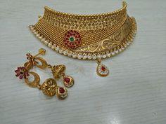 Gold Necklace Antique Jewellery Designs, Gold Jewellery Design, Gold Jewelry, Gold Chocker Necklace, Chokers, Necklace Designs, Fashion Jewelry, India, Diamonds