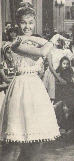 Marisol (Pepa Flores) en su 3era película ''Tómbola''.