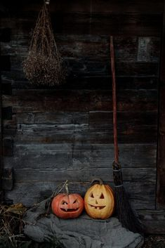 Classy Halloween, Fall Halloween, Happy Halloween, Halloween Horror, Halloween 2020, Halloween Ideas, Halloween Porch Decorations, Halloween Party Decor, Halloween Writing Prompts