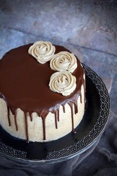 mascarponés gesztenyetorta recept csokival csurgatva Hungarian Cake, Cakes And More, Cake Cookies, Chocolate Cake, Sweet Recipes, Cookie Recipes, Cake Decorating, Food And Drink, Sweets