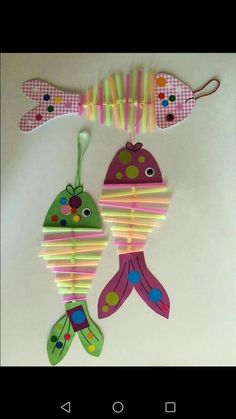 Basteln crafts for kids, fish crafts und kids, parenting. Ocean Crafts, Fish Crafts, Diy And Crafts, Arts And Crafts, Paper Crafts, Beach Crafts, Projects For Kids, Diy For Kids, Crafts For Kids