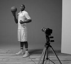 Le basketteur Boris Diaw shoote le maillot blanc de l'équipe de France pour GQ et Nike... Laissez-vous surprendre par ce passionné de photographie