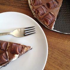 Kinder Bueno, Milka, Nutella & Oreo cheesecake (recipe!)
