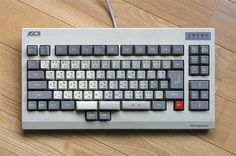 Click to close image, click and drag to move. Use arrow keys for next and previous. Old Technology, Futuristic Technology, Computer Setup, Computer Case, Keyboard Typing, Computer Keyboard, Diy Mechanical Keyboard, Retro Arcade Machine, Old Computers