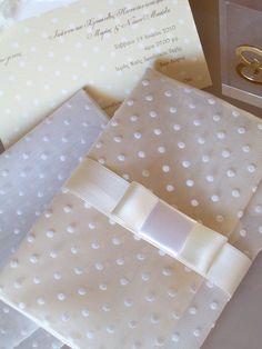 """#μπομπονιερα γαμου φακελος πουα με φιογκο valentino """"Breakfast at Tiffany's""""!:"""