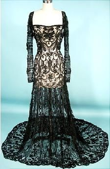 c. 1908 Black Lace Overdress Gown - can you imagine this over some flesh colored underthings? To DIE!