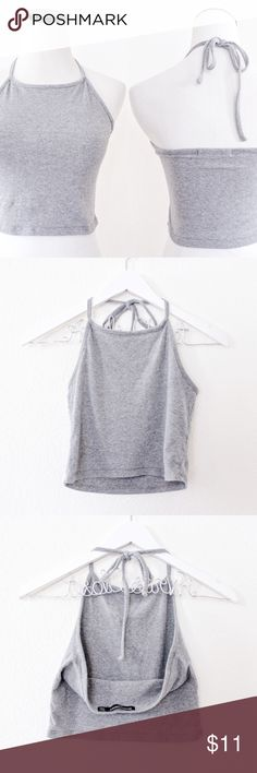 "Heather Gray Halter Crop Top Brandy Melville ⑊ One Size (fits S-M)  ⌁ Measurements: 12"" length, from neckline 13"" bust / pit-to-pit  ⌁ Condition: Used. No holes or stains. Great condition!  kj Brandy Melville Tops Crop Tops"