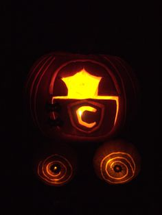 2012 Pumpkin: Jerry used a total of 5 pumpkins to make Cinderella's carriage. He actually attached the wheels to the base of an RC car and the 4 wheels not only light up but spin! Another cool part? The door is on hinges and opens.