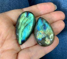 Some of my #gems #forsale #labradorite #turquoise #azurite #pietersite #amethyst #charoite #tigereye #tigerseye #jasper #gemsforall #gemsforsale #destash #gemsplusleather #etsy - 11.11€ Gems For Sale, Diy Jewelry Supplies, Gem S, Leather Craft, Labradorite, Jasper, Amethyst, Gemstone Rings, Turquoise