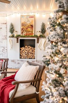 6 ways to create a cozy Christmas in an outdoor entertaining space to make any holiday gathering warm and inviting.