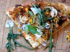 Rucola-Pizza mit Parmaschinken