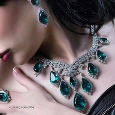 I #wantneeddesirecovet this suite from @al_sharq_diamonds مجموعه من شبكات الألماس نقدمها لك بتميز
