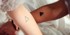 Los tatuajes son para toda la vida y la hermandad también, así que éste puede ser un hermoso motivo para plasmarlo en la piel. Si han pensado en tatuarse juntas, aquí te dejamos algunas opciones para que puedan afinar el diseño que ya tenían en mente.