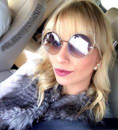 ✨🅓🅘🅥🅐 ✨ Para hoje #clientewanny escolheu #marcjacobs 😎🔝 #Repost @pribarison ・・・ On the road 🚗💨. Com o marido já a caminho do @botaniquehotel para conhecer o programa #detox que envolve tanto alimentação quanto práticas de bem estar 🙏🏼🌱🌷. Mega ansiosa para conhecer tudo. Acompanhem pelo #snap 👻 #PriBarison { Oculos muso @marcjacobs para @oticaswanny 😎} #PriBarisonTips #Carfie #Tips #TripTips #Dicas #Campinas #Sefie #BomDia