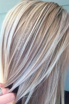 platinum blonde highlights Try platinum blonde hair shade if you want to stand out from the crowd. This color is so eye-catching. See our collection of platinum blonde looks. Blonde Hair Shades, Platinum Blonde Hair, Blonde Color, Highlighted Blonde Hair, Grey Blonde Hair, Platinum Grey, Brown Blonde, Brown Hair, Hair Color 2017