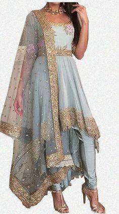 Wedding Reception Dress Indian Saris Ideas - MY World Indian Fashion Dresses, Dress Indian Style, Indian Gowns, Indian Designer Outfits, Designer Dresses, Indian Saris, Indian Suits Punjabi, Indian Anarkali, Indian Groom