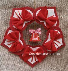 creative Ideas for christmas garland Felt Christmas Ornaments, Handmade Ornaments, Christmas Wreaths, Christmas Projects, Felt Crafts, Holiday Crafts, Christmas Makes, Christmas Time, Felt Decorations