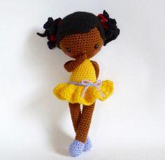 Pour faire pousser des p'tits bonheurs... 🌻 Insipiré d'un patron gratuit en espagnol ***** Crochet Amigurumi, Crochet Doll Pattern, Amigurumi Doll, Knitted Dolls, Crochet Dolls, Crochet Hats, Harry Potter Crochet, Doll Patterns Free, Tutorials