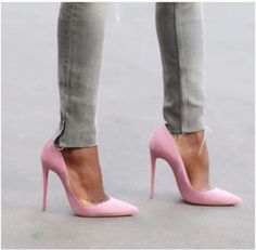 « Go pink Short Heels, High Heels, Leather Pumps, Suede Leather, Go Pink, Killer Heels, Pretty Shoes, Pink Shoes, All About Fashion