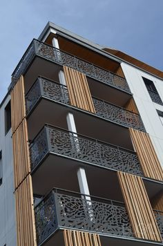 Door Gate Design, Facade Design, Exterior Design, Balcony Grill Design, Balcony Railing Design, House Outside Design, House Front Design, Wooden Staircase Railing, Railings
