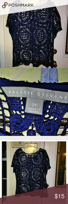 Valerie Stevens Plus Top. Dark/Navy Blue cute lace knit top. Size 2X. 48in. Arm pit to arm pit. 28in from shoulder to hem. Valerie Stevens Tops