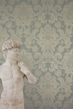 Wallpaper: Crivelli by Zoffany. Available at the DD Building suite 409 #ddbny #zoffany