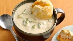 Broccoli cheese soup and cheddar bobbers. This luscious, cheesy soup is so delicious, it's easy to forget it's also veggie-laden and a snap to put together. Copycat Recipes, Crockpot Recipes, Soup Recipes, Cooking Recipes, Chili Recipes, Broccoli Cheese Soup, Broccoli Cheddar, Korma, Vegetarian