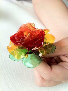 Flower using plastic bottles