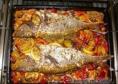 Συναγρίδα με πράσα, κρεμμύδια και πολλά μυρωδικά Greek Recipes, Fish Recipes, Snack Recipes, Cooking Recipes, Healthy Recipes, Recipies, Greek Cooking, Cooking Time, Greek Fish