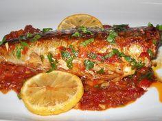 Macrou cu sos de rosii la cuptor - imagine 1 mare Romanian Food, Tasty, Yummy Food, Ratatouille, Tandoori Chicken, Seafood, Clean Eating, Food And Drink, Cooking