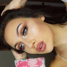 Shimmery✨ @anastasiabeverlyhills dipbrow in ash brown & moonchild palette @unicornlashesuk Fluttershy @jeffreestarcosmetics Gemini liquid lip . #makeup #makeupbyme #photography #bblogger #makeupblogger #instamakeup #beauty #anastasiabeverlyhills #