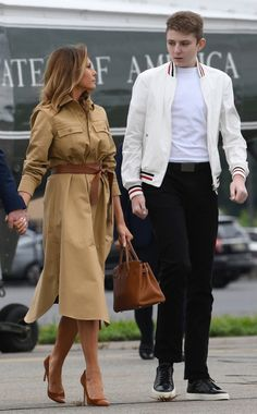 Donald Trump, Donald And Melania Trump, First Lady Melania Trump, First Lady Of America, Trump Kids, American First Ladies, Ivanka Trump Dress, Trump Is My President, Classy Outfits