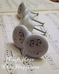 Shabby Knobs Makeover Tutorial - these would be great on the dresser I want to paint black for the boys' room!