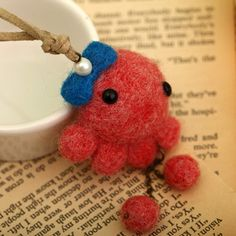 Needlecraft feltworks wool felt DIY kits hand-made necklace brooch mobile chain lovely animal series red octopus