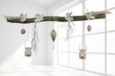 Wenn Ihr nach einer Fensterdekoration der etwas anderen Art sucht. Ast-Werk von CreaTina. Erfahrt mehr darüber in unserem Blog. http://www.creatina-deko.de/deko-aeste-die-etwas-andere-fensterdekoration/
