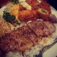 #食 #yummy 🍴  #ディナー プレート 🍴 #美味しい #お腹いっぱい 😋 #ごちそうさまでした 😋  今日はアッという間だったけど#happy なpm😌ゲンキになれた。またさてあと残り2dガンバルゾト #夕食 #肉 #洋食#グルメ#レストラン #ステーキ #フライ#ご飯#目黒 #料理 #食事 #food#dinner #full #western #restaurant#gourmet #foodie #meal #steak #fried #eat#tokyo サンキチ