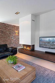 Hans Kwinten Interieurprojecten - Lilly is Love Living Room Decor Fireplace, Slate Fireplace, Home Fireplace, Modern Fireplace, Fireplace Design, Lounge Design, Tiny Living Rooms, Home Living Room, Built In Around Fireplace