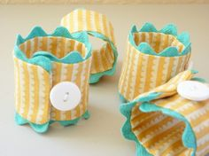 I love these colorful napkin rings!
