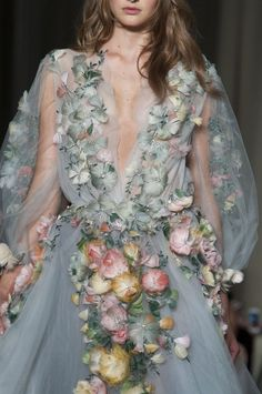 Pin for Later: Trust Us: You've Never Gotten This Close to the Clothes at Fashion Week Marchesa Spring 2015