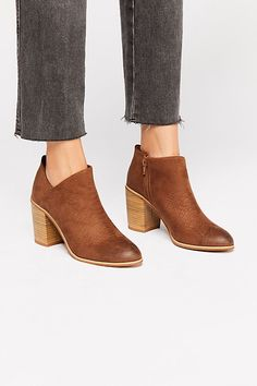 b87a4b4b68c The 326 best Footwear images on Pinterest in 2018
