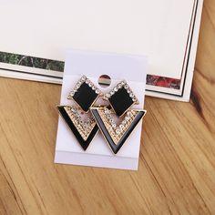 2016 새로운 도착 럭셔리 삼각형 크리스탈 스터드 귀걸이 빈티지 패션 골드 도금 귀걸이 여름 보석