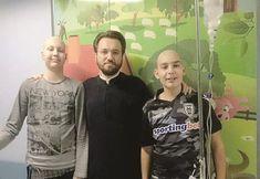 Θεσσαλονίκη: Ο Iερέας που πηγαίνει κάθε βράδυ στο νοσοκομείο και στηρίζει παιδιά με καρκίνο Baseball Cards, Sports, Hs Sports, Sport