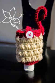 Like those cute hand sanitizer cases you see everywhere?  Crochet one yourself with this pattern by MNE Crafts.  Try it out using Vanna's Palettes.