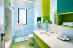 Hoe een kleine badkamer verbouwen zodat ze groter aanvoelt?