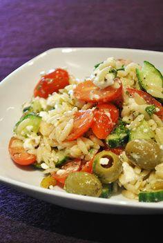 Küchenzaubereien: Griechischer Nudelsalat