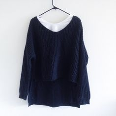 Forever 21 low-high sweater Condition ⭐️⭐️ (please see the condition scale post for reference) NO TRADE. Forever 21 Sweaters
