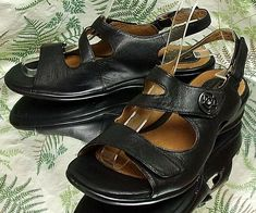 1ef1ebeef3e9 CLARKS BLACK LEATHER SLINGBACK OPEN TOE DRESS SANDALS SHOES US WOMENS SZ  7.5 M  Clarks
