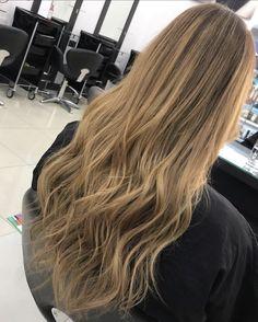 Natural blnde balayage, long wavy hair. Natural Blonde Balayage, Lvl Lashes, Keratin Complex, Hair And Beauty Salon, Natural Blondes, Long Wavy Hair, Best Brand, Hair Cuts, Stylists
